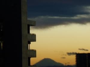 春の嵐後の夕景.jpg
